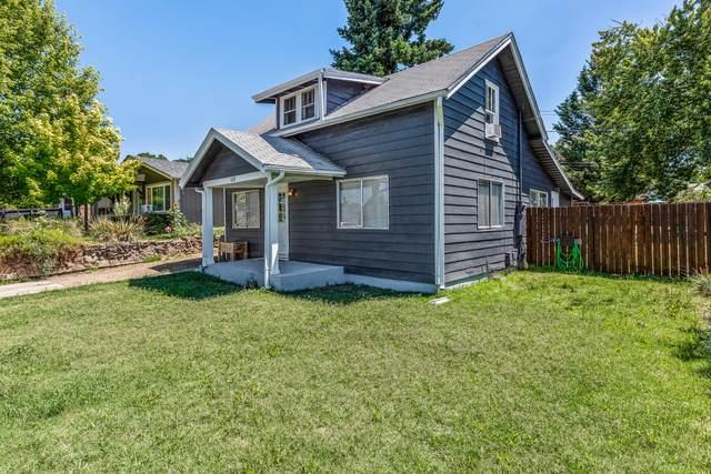 528 Pearl Street, Medford, OR 97504 (MLS #220125839) :: Bend Homes Now