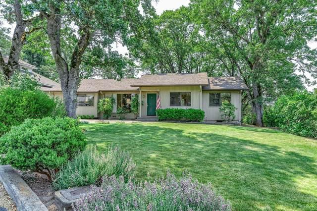 1504 Terrace Drive, Medford, OR 97504 (MLS #220125942) :: Berkshire Hathaway HomeServices Northwest Real Estate