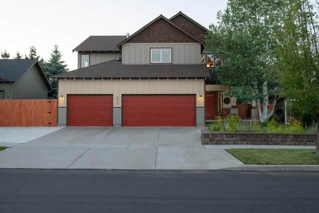 20706 Snow Peaks Drive, Bend, OR 97701 (MLS #220126010) :: Bend Homes Now