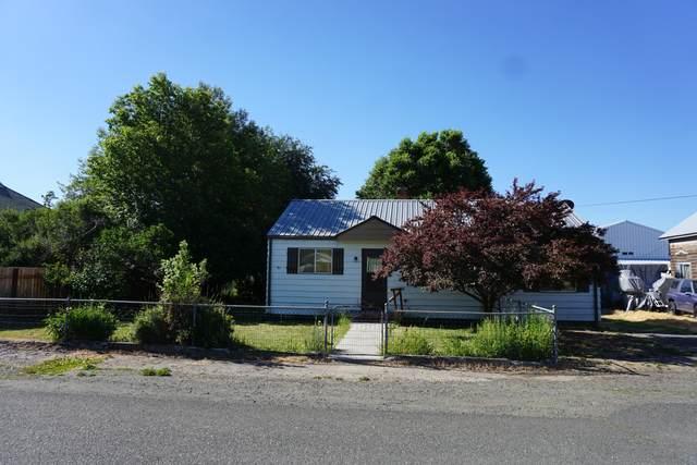 121 W 6th Street, Prairie City, OR 97869 (MLS #220126252) :: Berkshire Hathaway HomeServices Northwest Real Estate