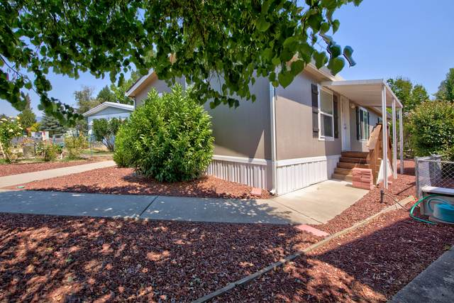 602 Woodlawn Circle, Grants Pass, OR 97526 (MLS #220126344) :: The Ladd Group
