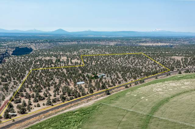 16560 S Hwy 97, Culver, OR 97734 (MLS #220126430) :: Berkshire Hathaway HomeServices Northwest Real Estate