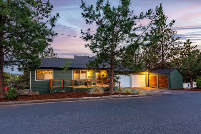 207 NW Vicksburg Avenue, Bend, OR 97703 (MLS #220126519) :: Arends Realty Group