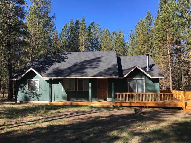152390 Wagon Trail Road, La Pine, OR 97739 (MLS #220126642) :: Fred Real Estate Group of Central Oregon
