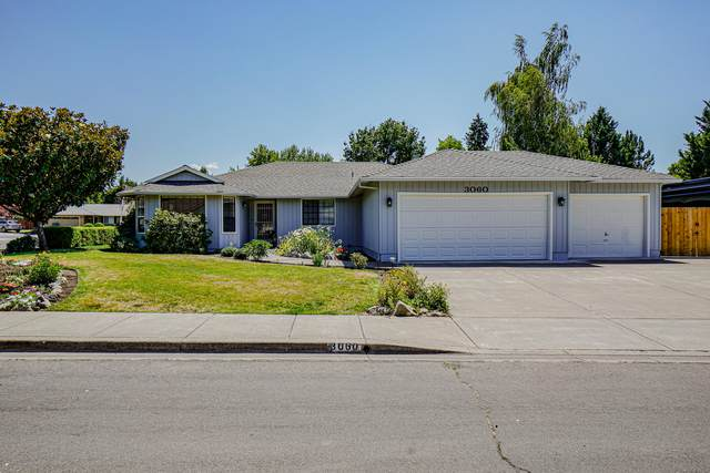 3060 Ruby Drive, Medford, OR 97504 (MLS #220126657) :: Bend Homes Now