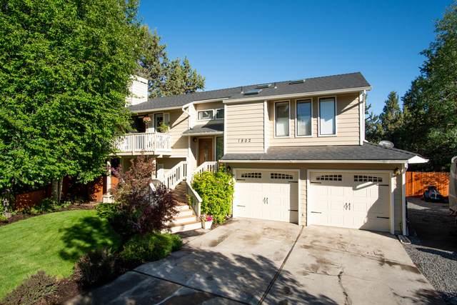 1802 SE Arborwood Avenue, Bend, OR 97702 (MLS #220126914) :: Fred Real Estate Group of Central Oregon