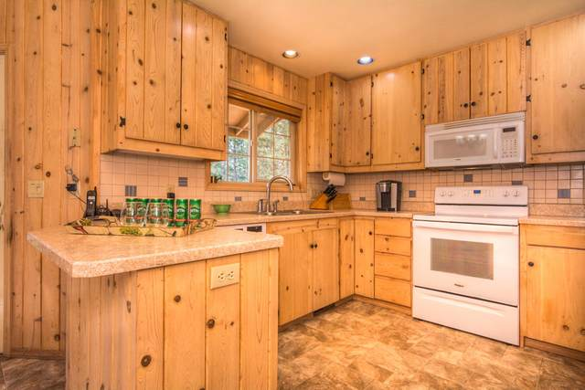 18221-40 Oregon Loop, Sunriver, OR 97707 (MLS #220126953) :: Berkshire Hathaway HomeServices Northwest Real Estate