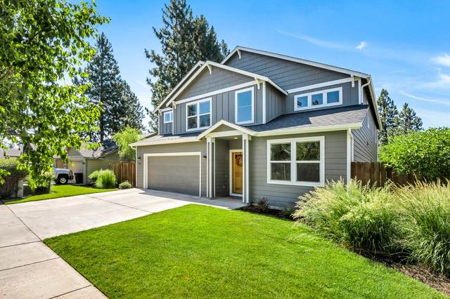 1641 W Hill Avenue, Sisters, OR 97759 (MLS #220126989) :: Arends Realty Group