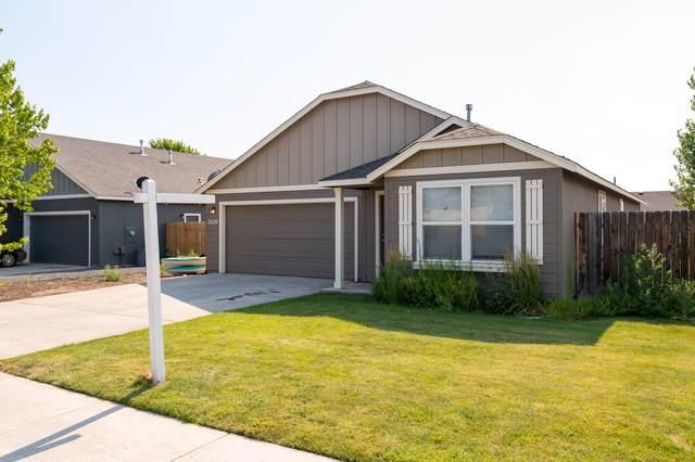 2489 NE 5th Street, Redmond, OR 97756 (MLS #220127041) :: Berkshire Hathaway HomeServices Northwest Real Estate