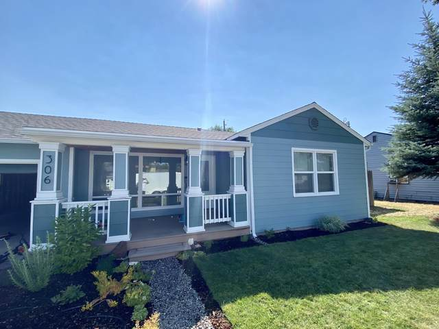 306 SW Ewen Street, Prineville, OR 97754 (MLS #220127143) :: Bend Homes Now