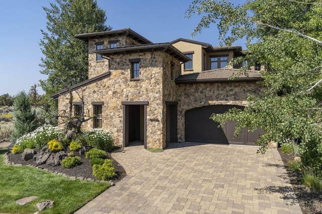 22887 Ghost Tree Lane, Bend, OR 97701 (MLS #220127147) :: Fred Real Estate Group of Central Oregon