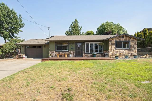 205 Kings Way, Central Point, OR 97502 (MLS #220127332) :: Team Birtola | High Desert Realty