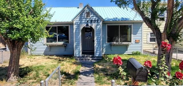 951 NW 2nd Street, Prineville, OR 97754 (MLS #220127340) :: Schaake Capital Group