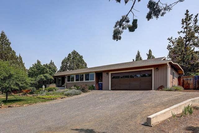 62812 Emily Court, Bend, OR 97701 (MLS #220127383) :: Bend Homes Now