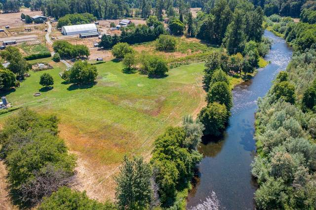 7024 New Hope Road, Grants Pass, OR 97527 (MLS #220127407) :: Chris Scott, Central Oregon Valley Brokers