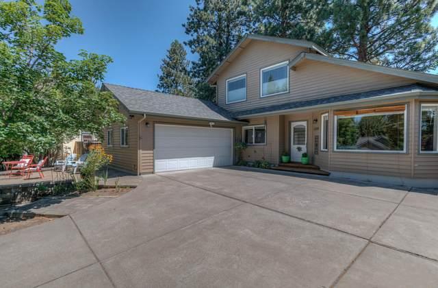 1200 SE Teakwood Drive, Bend, OR 97702 (MLS #220127507) :: Fred Real Estate Group of Central Oregon