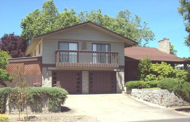 1301 Ramada Avenue, Medford, OR 97504 (MLS #220127522) :: Arends Realty Group