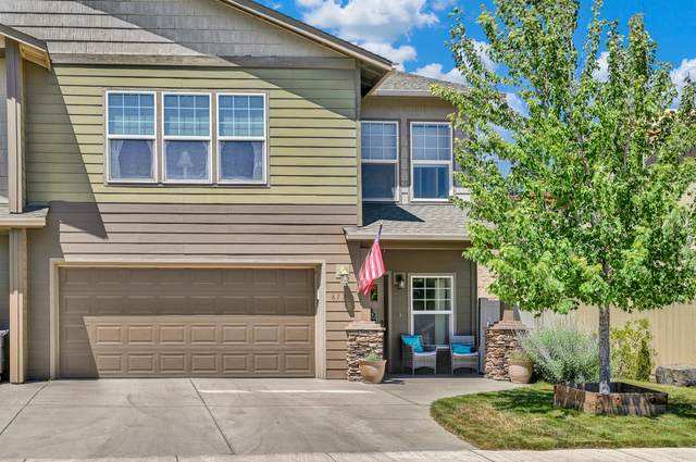 617 NE Brookstone Drive, Prineville, OR 97754 (MLS #220127528) :: Fred Real Estate Group of Central Oregon