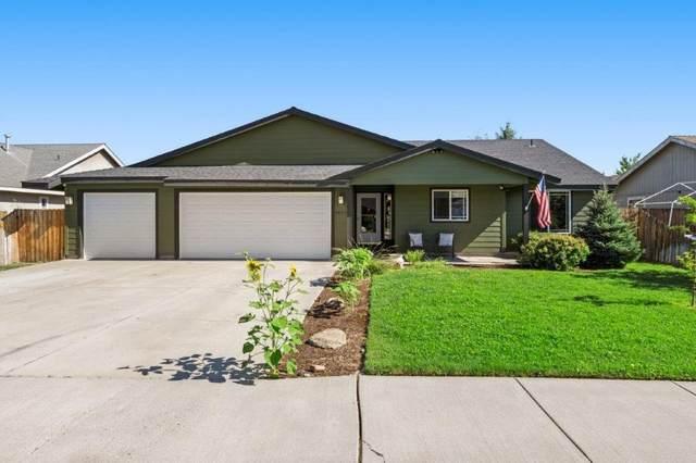 2039 NW Nickernut Avenue, Redmond, OR 97756 (MLS #220127542) :: Chris Scott, Central Oregon Valley Brokers