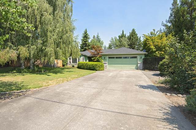 2956 Lapine Avenue, Central Point, OR 97502 (MLS #220127550) :: Berkshire Hathaway HomeServices Northwest Real Estate