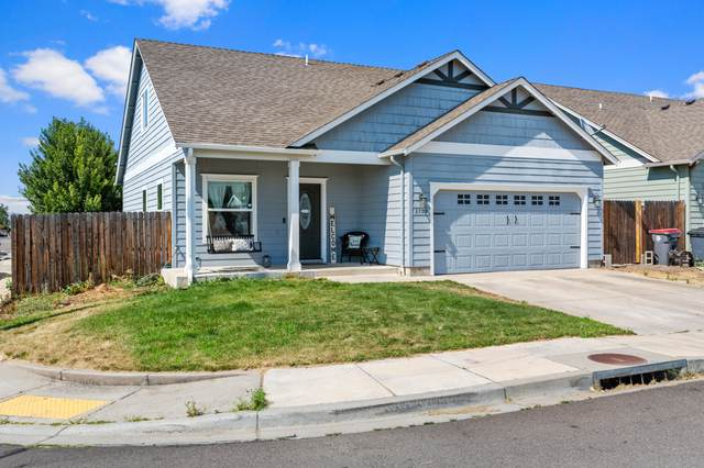 3709 Amelia Way, White City, OR 97503 (MLS #220127574) :: Berkshire Hathaway HomeServices Northwest Real Estate