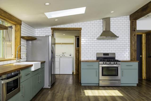 14631 Bluegrass Loop, Sisters, OR 97759 (MLS #220127637) :: Berkshire Hathaway HomeServices Northwest Real Estate