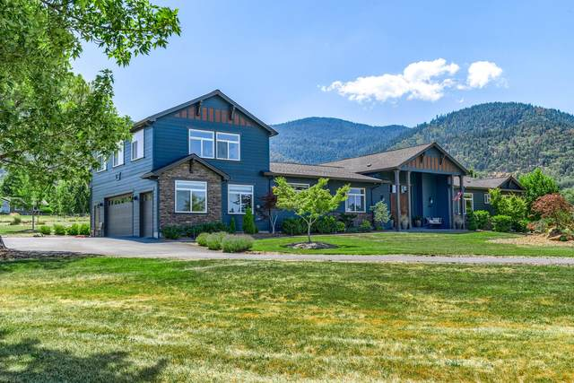 101 Mowetza Drive, Ashland, OR 97520 (MLS #220127663) :: Bend Relo at Fred Real Estate Group