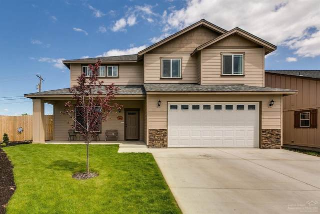 970 SW 23rd Place, Redmond, OR 97756 (MLS #220127680) :: Fred Real Estate Group of Central Oregon