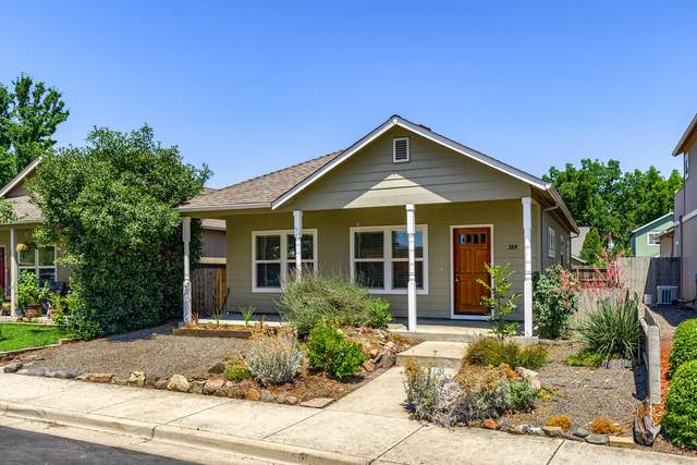 369 Cascade Drive, Central Point, OR 97502 (MLS #220127683) :: FORD REAL ESTATE