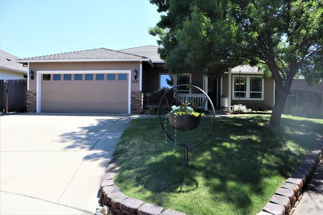 1497 Elaine Way, Medford, OR 97501 (MLS #220127697) :: Arends Realty Group