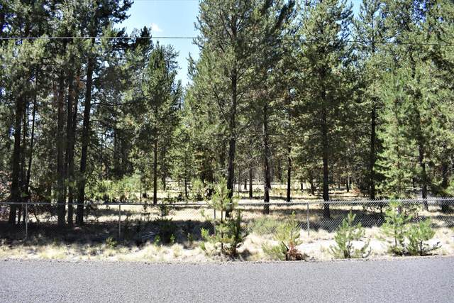 52707 Center Drive, La Pine, OR 97739 (MLS #220127704) :: Bend Homes Now