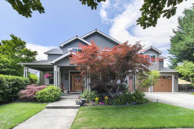 655 Valley Oak Boulevard, Central Point, OR 97502 (MLS #220127797) :: Bend Homes Now