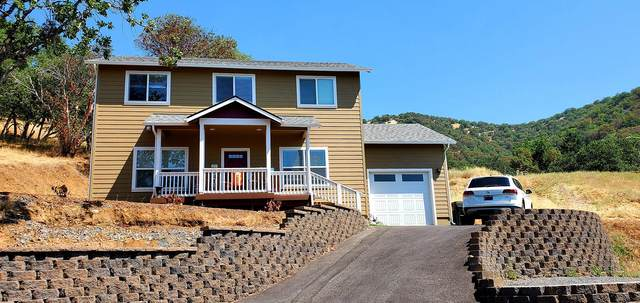 1083 7th Avenue, Gold Hill, OR 97525 (MLS #220127801) :: The Ladd Group