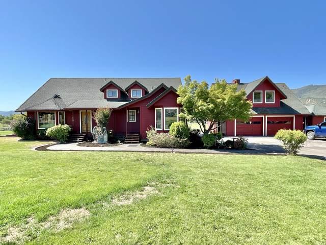 450 E Ashland Lane, Ashland, OR 97520 (MLS #220127811) :: Premiere Property Group, LLC