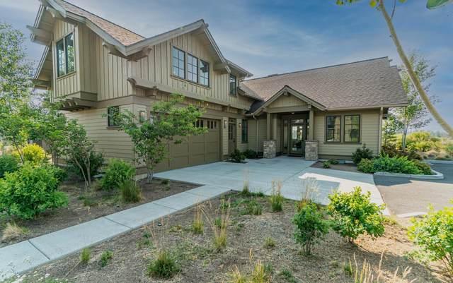 61210 Highlands Court, Bend, OR 97702 (MLS #220127836) :: Fred Real Estate Group of Central Oregon