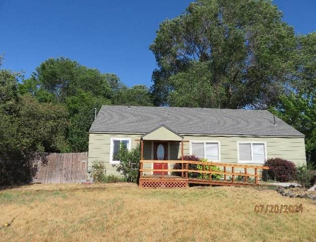 1111 Wiard Street, Klamath Falls, OR 97601 (MLS #220127841) :: Bend Relo at Fred Real Estate Group
