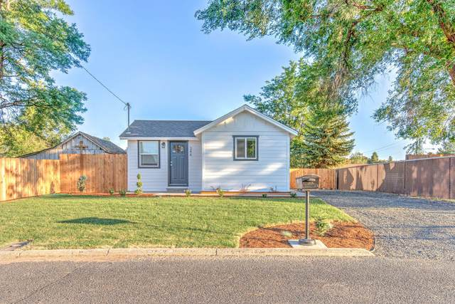344 NW 7th Street, Prineville, OR 97754 (MLS #220127851) :: Berkshire Hathaway HomeServices Northwest Real Estate