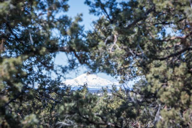 62870 Santa Cruz Avenue, Bend, OR 97701 (MLS #220127867) :: Team Birtola | High Desert Realty
