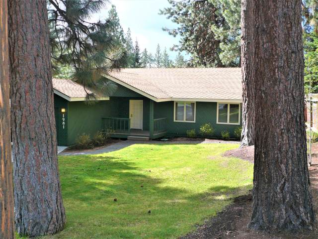 1901 SW Knoll Avenue, Bend, OR 97702 (MLS #220127873) :: Arends Realty Group