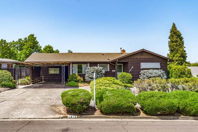 1413 Yucca Street, Medford, OR 97504 (MLS #220127939) :: Arends Realty Group