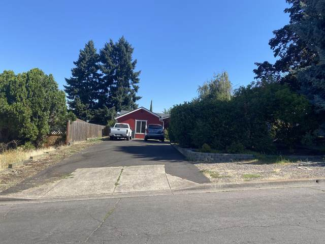 2151 Hill Way, Medford, OR 97504 (MLS #220127950) :: Bend Homes Now