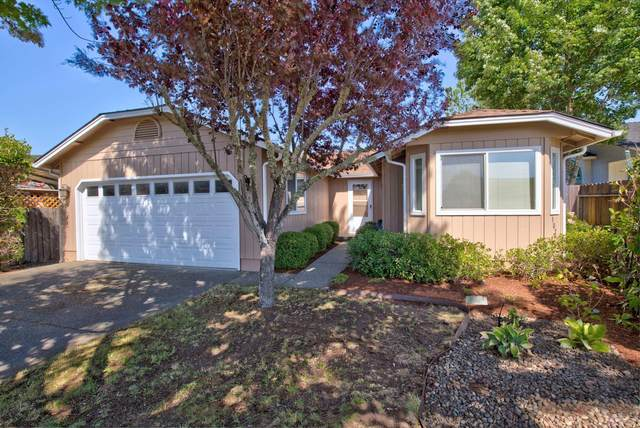 107 SE Harmony Circle, Grants Pass, OR 97527 (MLS #220127972) :: Berkshire Hathaway HomeServices Northwest Real Estate