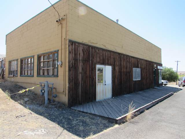 1823 SW Chevrolet Drive, Madras, OR 97741 (MLS #220127988) :: Vianet Realty