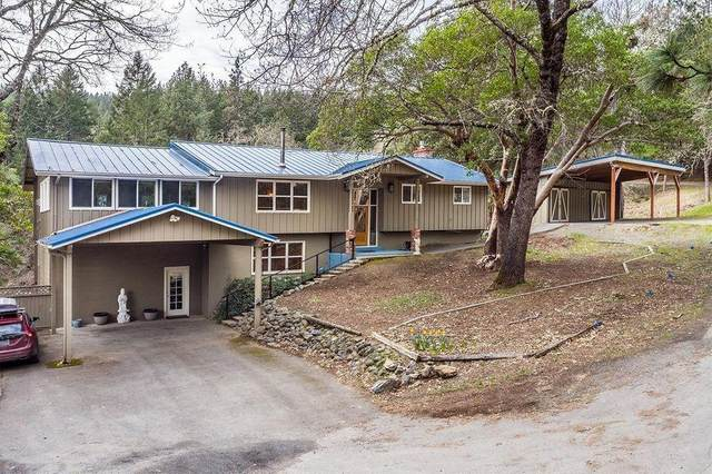1861 Wagon Trail Drive, Jacksonville, OR 97530 (MLS #220127993) :: Arends Realty Group