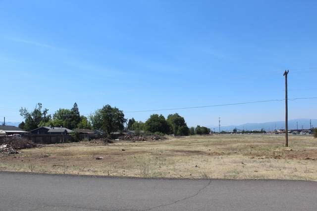TL0300 Crater Lake Highway, White City, OR 97503 (MLS #220127998) :: Vianet Realty