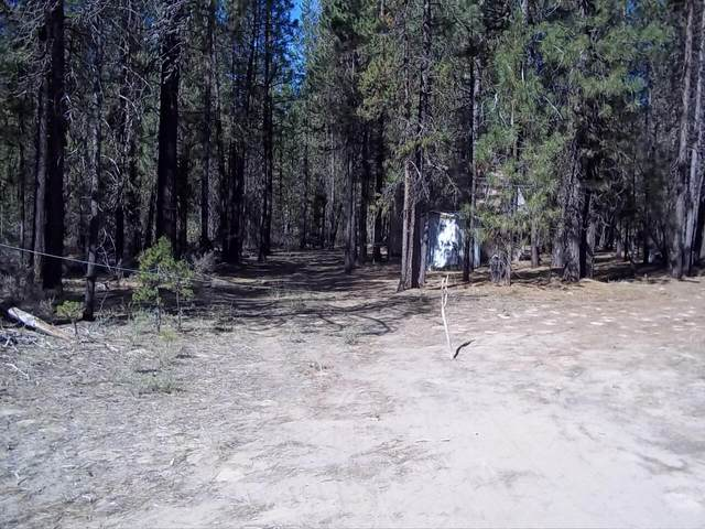 50405 Cascade Street, La Pine, OR 97739 (MLS #220128001) :: Arends Realty Group