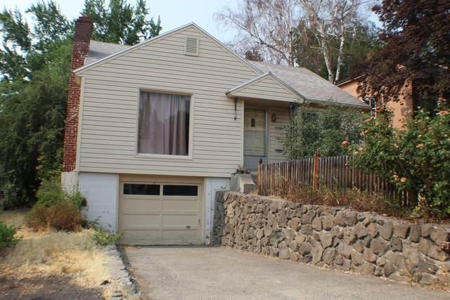 2029 Leroy Street, Klamath Falls, OR 97601 (MLS #220128003) :: Premiere Property Group, LLC