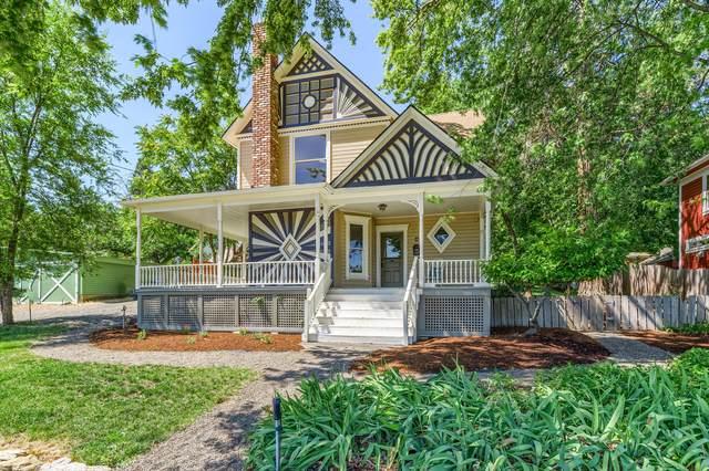 259 High Street, Ashland, OR 97520 (MLS #220128026) :: Premiere Property Group, LLC