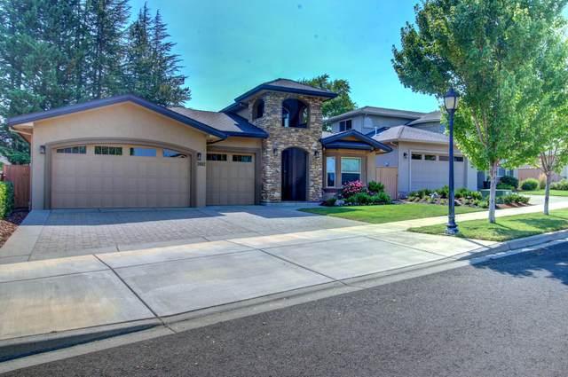 2692 Montara Drive, Medford, OR 97504 (MLS #220128042) :: Premiere Property Group, LLC