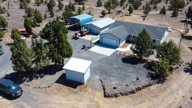 1978 NW Pinecrest Drive, Prineville, OR 97754 (MLS #220128093) :: Bend Homes Now